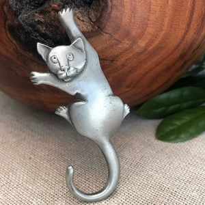 Vintage Signed Mali Pewter Cat Brooch